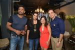 Sunil Shetty, Mana Shetty at Shaan Khanna_s Spicysangria exhibition in R House, Mumbai on 13th Dec 2014 (44)_548e9e3de5f8c.JPG