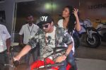 Zayed Khan, Tena Desae at autocar show in Mumbai on 13th Dec 2014 (47)_548e9d891457a.JPG