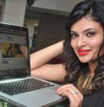 Sayali Bhagat at Poleys Xmas celebrations in Bandra, Mumbai on 15th Dec 2014 (40)_548fe33ab787a.JPG