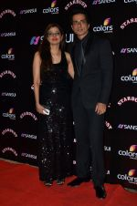 Sonu Sood at Sansui Stardust Awards red carpet in Mumbai on 14th Dec 2014 (792)_548fd271e7683.JPG