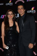 Sonu Sood at Sansui Stardust Awards red carpet in Mumbai on 14th Dec 2014 (795)_548fd2782ae6a.JPG