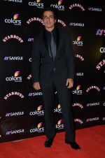 Sonu Sood at Sansui Stardust Awards red carpet in Mumbai on 14th Dec 2014 (813)_548fd2934f9e5.JPG