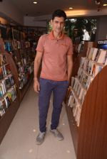 Niketan Madhok at the launch of Tamanna C_s debut book THE WAY AHEAD in Mumbai on 17th Dec 2014 (37)_5492911cd71e4.JPG