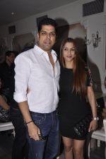 Shilpa Saklani, Murli Sharma at the launch of Munisha Khatwani_s Tarot predictions 2015 book in Villa 69, Mumbai on 17th Dec 2014 (286)_549298e541a21.JPG