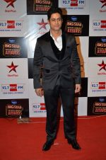 Mohit Raina at Big Star Entertainment Awards Red Carpet in Mumbai on 18th Dec 2014 (136)_54940332970da.JPG