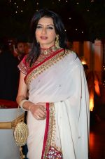 Bhagyashree at Vikram Singh_s Brother Uday and Ali Morani_s daughter Shirin_s Sangeet Ceremony in Blue sea on 20th Dec 2014 (38)_5496a5ecbd6e9.JPG
