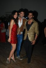 Siddharth Shukla at Teejay and Karanvir Bohra_s house warming party in Malad, Mumbai on 20th Dec 2014 (136)_5496a79554b55.JPG
