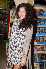at the True Story og Sunburn book launch in Crossword, Mumbai on 22nd Dec 2014 (36)_54993946a060a.JPG
