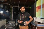 DJ Chetas spins at 9XM House of Dance bash in Mumbai on 24th Dec 2014 (22)_549be4bd4a66e.JPG