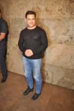 Aamir Khan at PK Screening in Mumbai on 25th Dec 2014 (18)_549d40f4b14ad.JPG