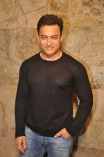 Aamir Khan at PK Screening in Mumbai on 25th Dec 2014 (19)_549d40f5d0c23.JPG