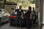 Kareena Kapoor, Saif Ali Khan at The Kapoors Christman Lunch Get-together  in Mumbai on 25th Dec 2014 (72)_549d43ade2725.JPG