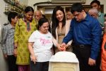 Mishti Chakraborty Celebrates her Birthday And Christmas with Mentally Challenged Adults (7)_549d2810349b6.jpg