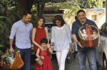 Riddhima Kapoor, Rishi Kapoor, Neetu Singh at The Kapoors Christman Lunch Get-together  in Mumbai on 25th Dec 2014 (42)_549d4424ee197.JPG