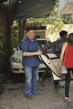 Riddhima Kapoor, Rishi kapoor at The Kapoors Christman Lunch Get-together  in Mumbai on 25th Dec 2014 (28)_549d4447438ec.JPG