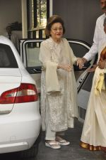 at The Kapoors Christman Lunch Get-together  in Mumbai on 25th Dec 2014 (20)_549d43a3e79a4.JPG