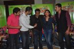 Ritesh Menon, Kushal Punjabi, Swanand Kirkire, Shilpa Shukla, Siddharth Sharma at Crazy Kukkad Family promotions in Mumbai on 26th Dec 2014 (11)_549e8451a0de1.JPG