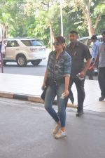 Sonakshi Sinha snapped at the airport on 27th Dec 2014 (56)_549fc9c82cb63.JPG