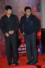 Chiyaan Vikram, A R Rahman at I movie trailor launch in PVR, Mumbai on 29th Dec 2014 (62)_54a277f263a7a.JPG