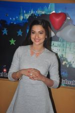Gauhar Khan promote Country Club new year_s in Mumbai on 29th Dec 2014 (13)_54a2743ee9c76.JPG