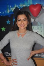 Gauhar Khan promote Country Club new year_s in Mumbai on 29th Dec 2014 (21)_54a274599f2cb.JPG