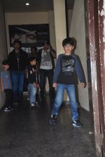 Hrithik Roshan, Zayed Khan snapped at PVR on 29th Dec 2014 (13)_54a2724be5598.JPG