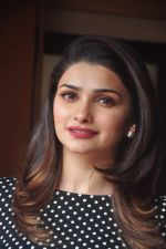 Prachi Desai promote Country Club new year_s in Mumbai on 29th Dec 2014 (66)_54a274c011d61.JPG