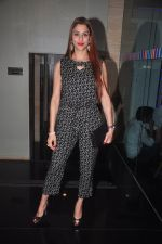 Shilpa Saklani at Ravi Dubey_s birthday bash hosted by Sargun mehta in Mumbai on 29th Dec 2014 (43)_54a27cc970864.JPG