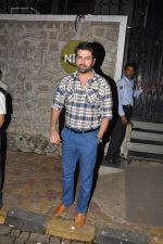 Harman Baweja snapped in Mumbai on 30th Dec 2014 (9)_54a51a30b9e9e.JPG