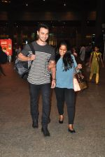 Arpita Khan snapped at airport on 3rd Jan 2015 (14)_54a9428e51374.JPG
