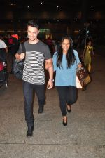 Arpita Khan snapped at airport on 3rd Jan 2015 (8)_54a9427fa22fe.JPG