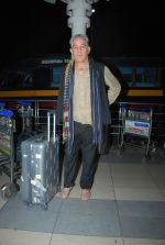 Dalip Tahil snapped at airport on 3rd Jan 2015 (31)_54a9420ad7767.JPG