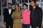 Abhishek Bachchan, Uddhav Thackeray , Aditya Thackeray, Arjun Rampal at Dabboo Ratnani calendar launch in Mumbai on 5th Jan 2015 (97)_54ab9f37e5915.JPG