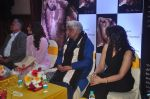 Juhi Chawla, Javed Akhtar at The Winwoods book launch in Mumbai on 5th Jan 2015 (57)_54ab9112ead80.JPG