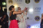 Priyanka Chopra, Salma Agha at the 21st Lions Gold Awards 2015 in Mumbai on 6th Jan 2015 (648)_54acf5c0d2339.jpg