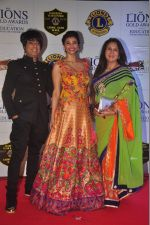 Rohit Verma, Daisy Shah, Poonam Dhillon at the 21st Lions Gold Awards 2015 in Mumbai on 6th Jan 2015 (574)_54acf3297d022.jpg