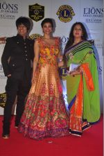 Rohit Verma, Daisy Shah, Poonam Dhillon at the 21st Lions Gold Awards 2015 in Mumbai on 6th Jan 2015 (586)_54acf32d13a80.jpg