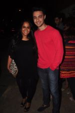 Arpita Khan snapped outside Olive in Mumbai on 7th Jan 2015 (16)_54ae2c08123d2.JPG