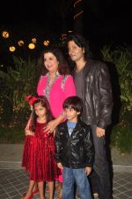 Farah Khan_s birthday bash at her house in Andheri on 8th Jan 2015 (216)_54afc27d8069b.JPG