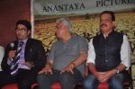 Om Puri, Govind Namdev at launch of film Project Marathwada in Mumbai on 7th Jan 2015 (23)_54af8cd9e1299.JPG