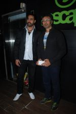 Shiva at Kamaal Rashid Khan_s birthday bash in Club Escape on 8th Jan 2015 (12)_54af9102012f5.JPG