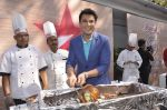 Vikas Khanna  at Star Plus launches new season of Master Chef in Mahalaxmi, Mumbai on 9th Jan 2015 (34)_54b1561ee17b2.JPG