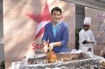 Vikas Khanna  at Star Plus launches new season of Master Chef in Mahalaxmi, Mumbai on 9th Jan 2015 (35)_54b1563121342.JPG