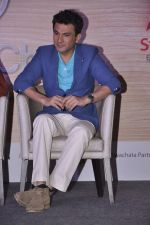 Vikas Khanna  at Star Plus launches new season of Master Chef in Mahalaxmi, Mumbai on 9th Jan 2015 (36)_54b156389267c.JPG