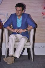 Vikas Khanna  at Star Plus launches new season of Master Chef in Mahalaxmi, Mumbai on 9th Jan 2015 (37)_54b1564279014.JPG