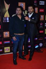Riteish Deshmukh, Mohit Suri at Producers Guild Awards 2015 in Mumbai on 11th Jan 2015 (936)_54b37077d2d3a.JPG