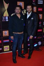 Riteish Deshmukh, Mohit Suri at Producers Guild Awards 2015 in Mumbai on 11th Jan 2015 (945)_54b3707d54f5b.JPG