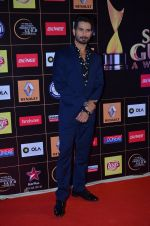 Shahid Kapoor at Producers Guild Awards 2015 in Mumbai on 11th Jan 2015 (143)_54b371396a357.JPG