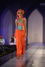 Model walks for Tarun Tahiliani-Azva show in Hyderabad in Tak Krishna on 13th Jan 2015 (204)_54b66221b5fe3.JPG