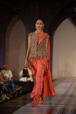 Model walks for Tarun Tahiliani-Azva show in Hyderabad in Tak Krishna on 13th Jan 2015 (245)_54b6626a1b317.JPG